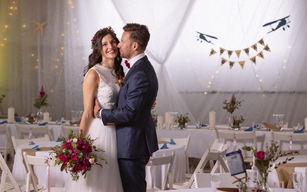 """""""Hlavně si to užít"""" – rozhovor s nevěstou z letecké svatby"""